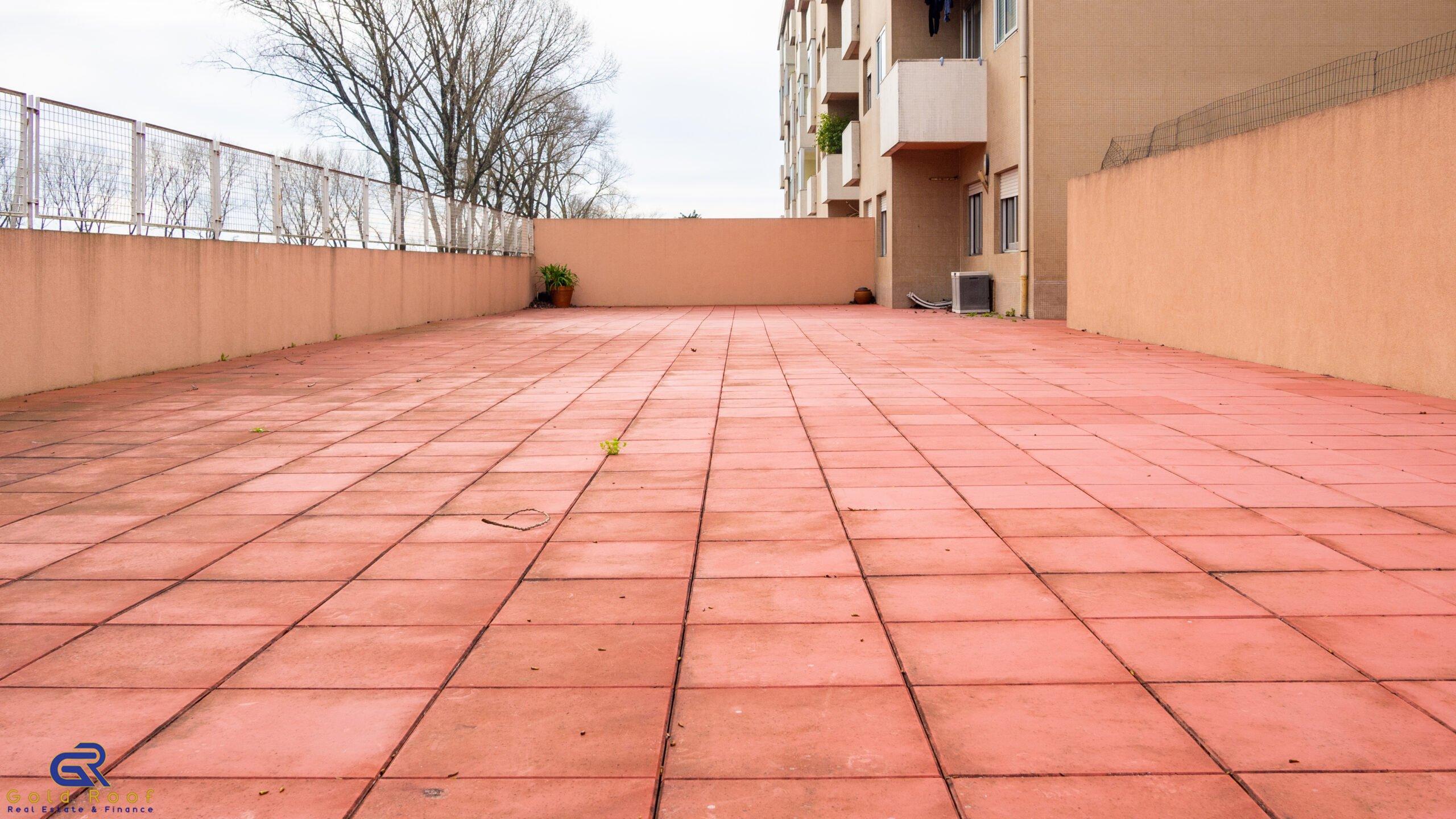 Apartamento T3+1 com terraço, Ramalde, Porto – VENDIDO