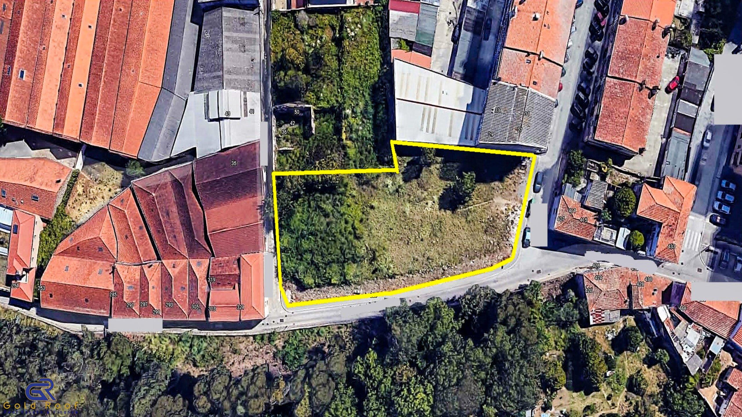 2121m2 construction land in the historic area, Santa Marinha VNG