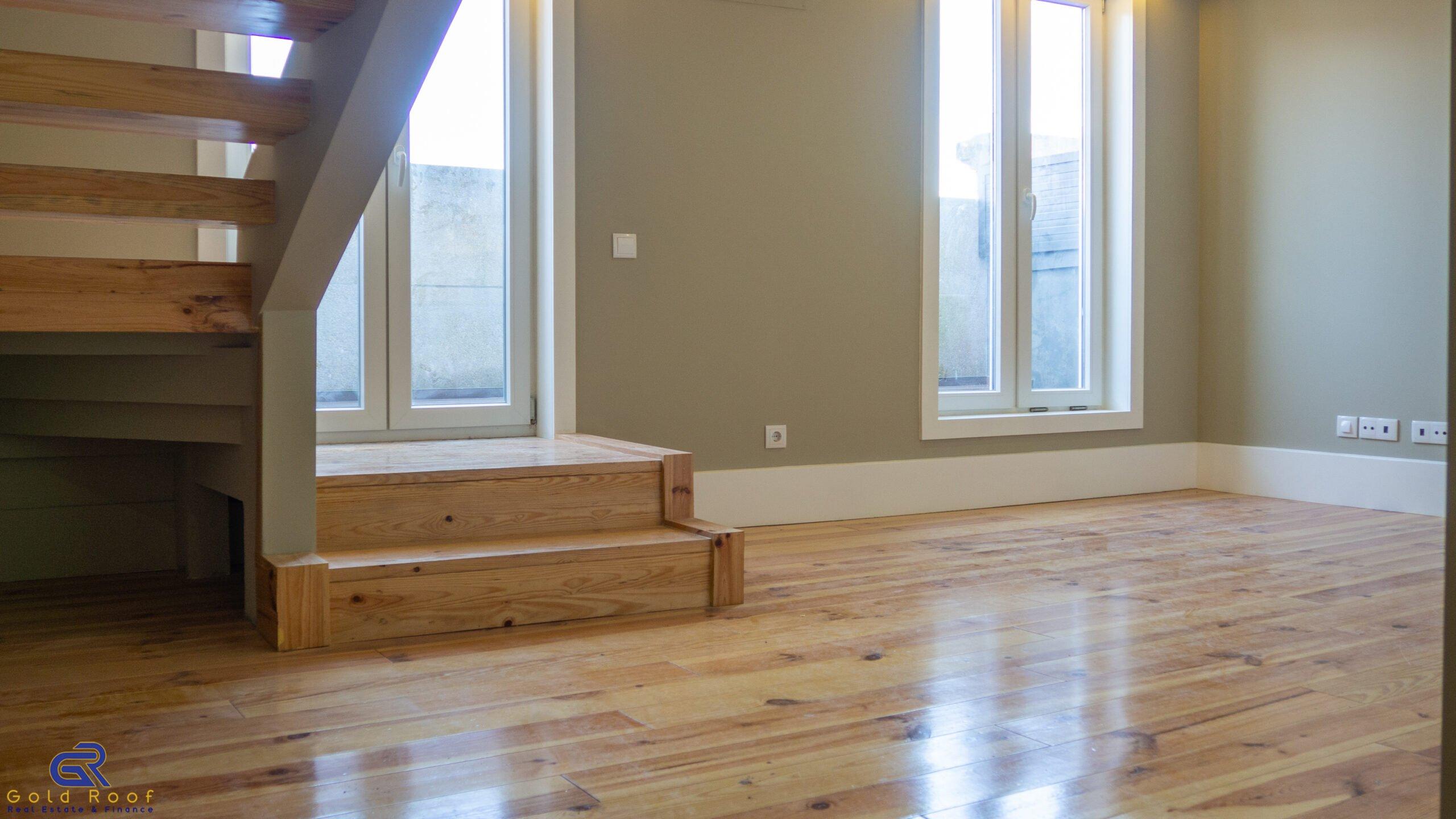 1-bedroom duplex apartment, fully refurbished, Oporto centre