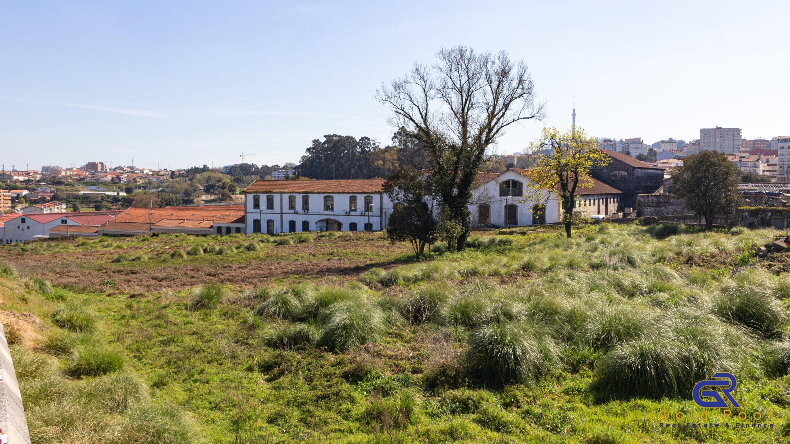 Terreno 11350m2, construção de habitação em altura, Oliveira do Douro – OFERTA ESCRITURAS